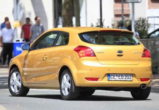 KIA Ceed Proceed III hatchback żółty tylny lewy