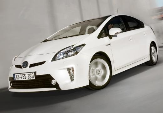 Toyota Prius hatchback biały przedni lewy