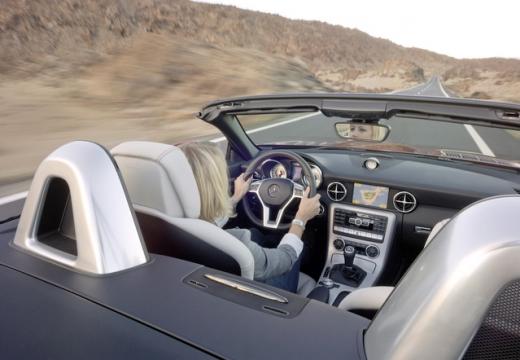 MERCEDES-BENZ Klasa SLK SLK R 172 roadster wnętrze