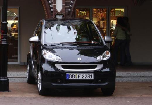 SMART fortwo coupe czarny przedni prawy