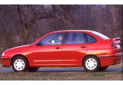 SEAT Cordoba I sedan boczny lewy