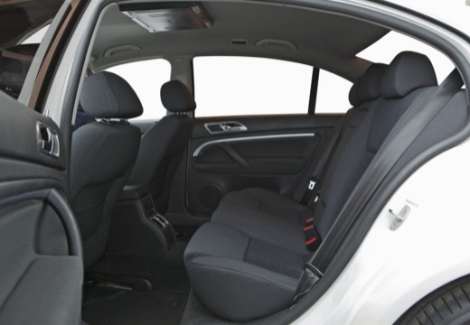 SKODA Superb II sedan wnętrze