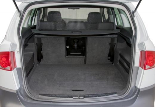 SEAT Altea XL II hatchback biały przestrzeń załadunkowa