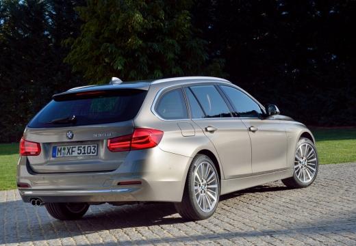 BMW Seria 3 kombi brązowy tylny prawy