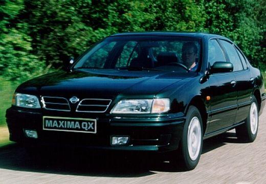 NISSAN Maxima sedan czarny przedni lewy