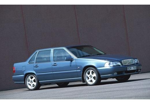 VOLVO S70 I sedan niebieski jasny przedni prawy