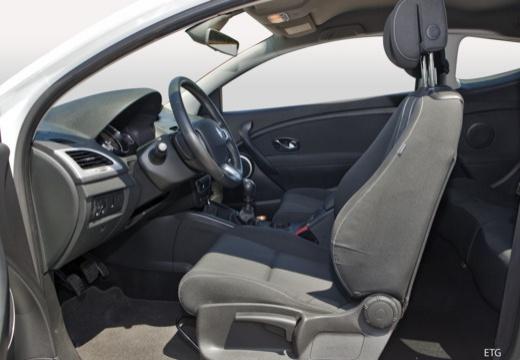 RENAULT Megane III Coupe II hatchback wnętrze
