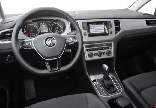 volkswagen golf vii sv 1 2 tsi bmt comfortline dsg hatchback sportsvan i 110km 2014. Black Bedroom Furniture Sets. Home Design Ideas