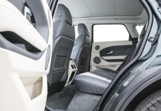 LAND ROVER Range Rover Evoque II kombi czarny wnętrze