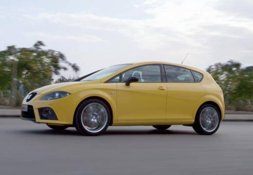 SEAT Leon II hatchback żółty przedni lewy