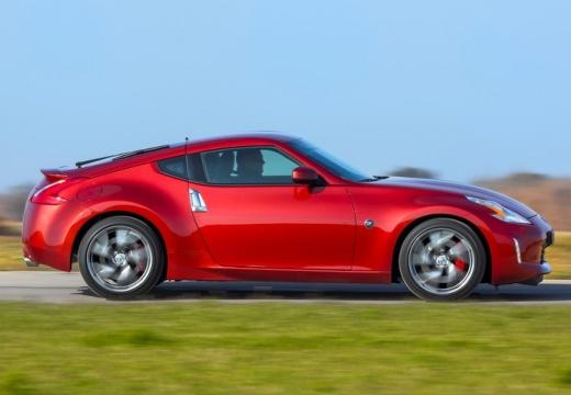 NISSAN 370 Z II coupe czerwony jasny boczny prawy