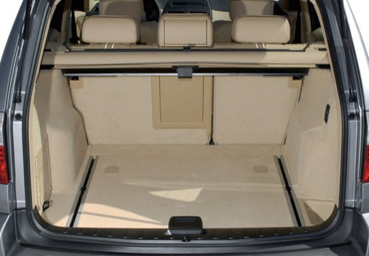 BMW X3 kombi silver grey przestrzeń załadunkowa
