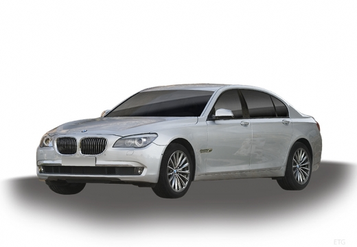 BMW Seria 7 F01 F02 I sedan silver grey