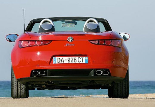 ALFA ROMEO Spider V kabriolet czerwony jasny tylny