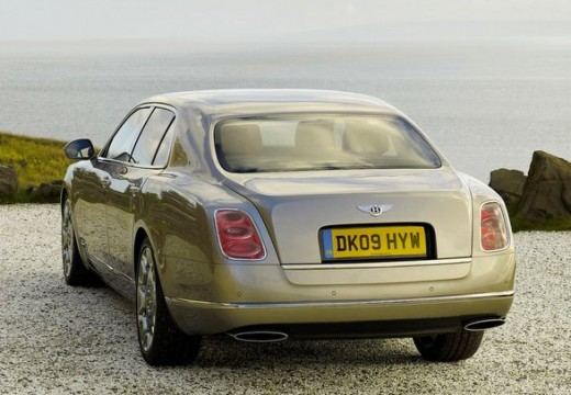 BENTLEY Mulsanne sedan silver grey tylny lewy