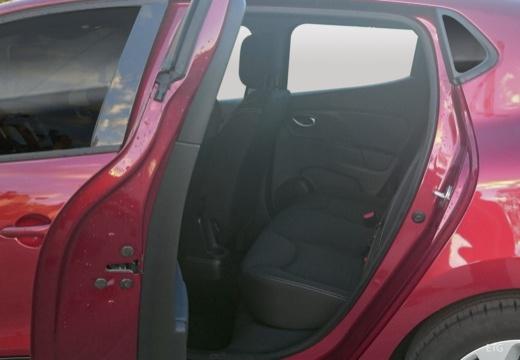 RENAULT Clio IV II hatchback wnętrze