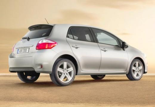 Toyota Auris II hatchback silver grey tylny prawy