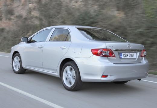 Toyota Corolla II sedan silver grey tylny lewy