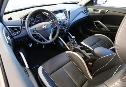 HYUNDAI Veloster I coupe wnętrze