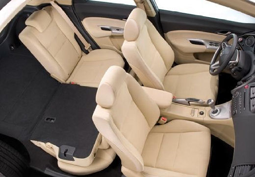 HONDA Civic VII hatchback wnętrze