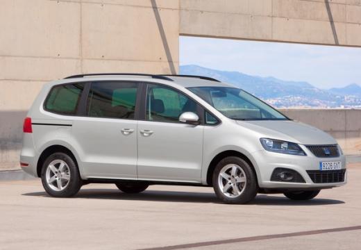 SEAT Alhambra III van silver grey przedni prawy