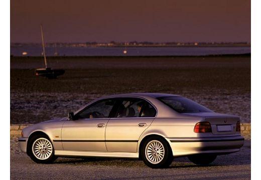 BMW Seria 5 E39 sedan silver grey tylny lewy