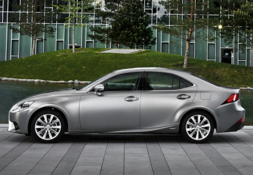 LEXUS IS V sedan silver grey boczny lewy
