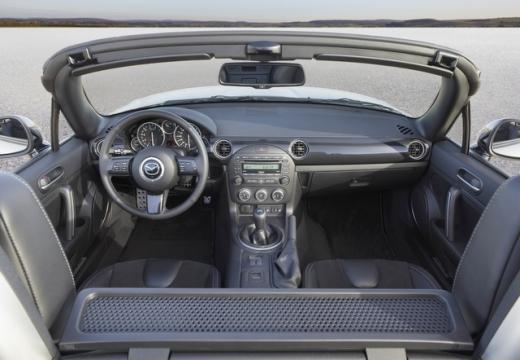 MAZDA MX-5 roadster tablica rozdzielcza
