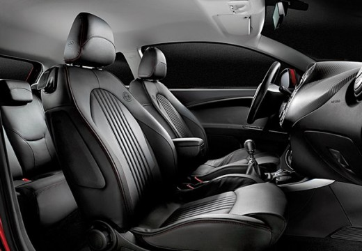 ALFA ROMEO MiTo hatchback wnętrze