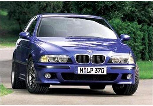 BMW Seria 5 E39 sedan niebieski jasny przedni prawy