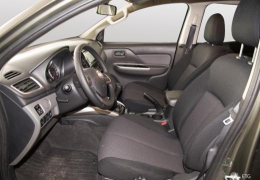 FIAT Fullback pickup szary ciemny wnętrze
