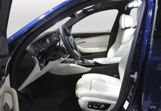BMW Seria 5 Touring G31 kombi wnętrze