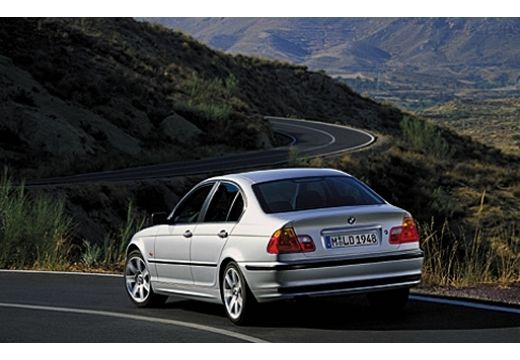 BMW Seria 3 E46 sedan silver grey tylny lewy
