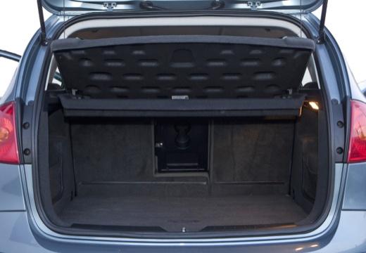 SEAT Altea I hatchback niebieski jasny przestrzeń załadunkowa