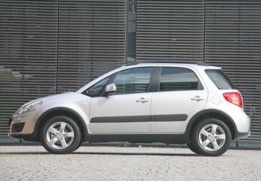 SUZUKI SX4 II hatchback silver grey boczny lewy