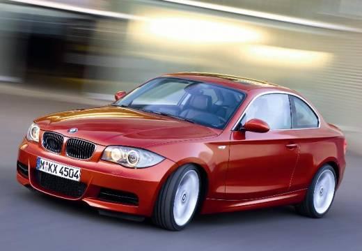 BMW Seria 1 E82 I coupe pomarańczowy przedni lewy