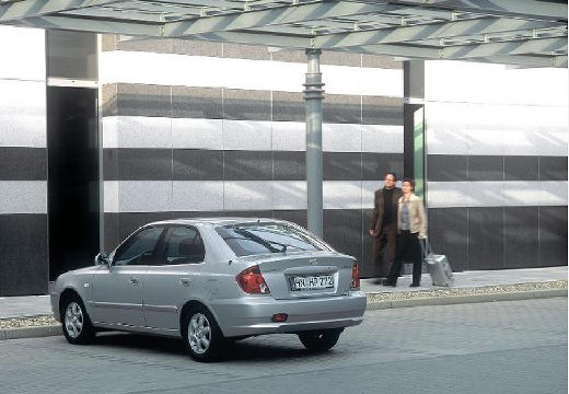 HYUNDAI Accent III hatchback silver grey tylny lewy