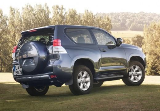 Toyota Land Cruiser 150 I kombi czarny tylny prawy