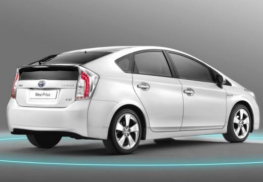 Toyota Prius hatchback biały tylny prawy