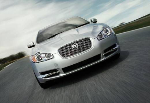 JAGUAR XF I sedan silver grey przedni