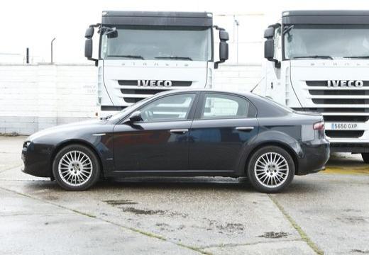 ALFA ROMEO 159 sedan boczny lewy