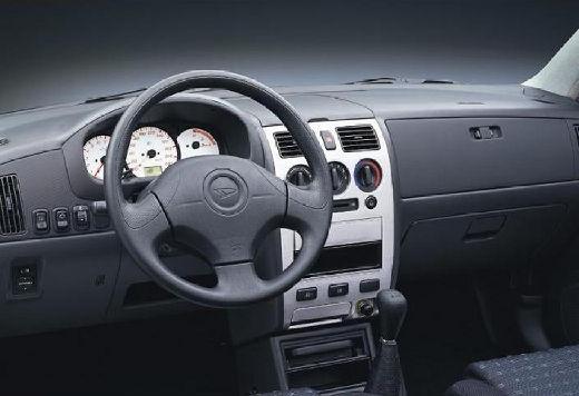 DAIHATSU Sirion II hatchback tablica rozdzielcza