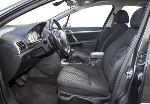 PEUGEOT 407 I sedan wnętrze