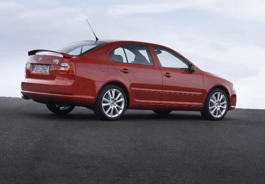 SKODA Octavia II I hatchback czerwony jasny tylny prawy