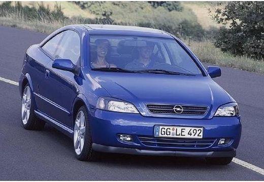 OPEL Astra coupe niebieski jasny przedni prawy