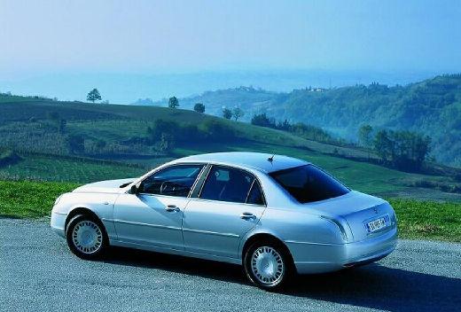 LANCIA Thesis sedan silver grey tylny lewy