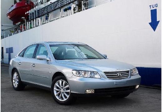 HYUNDAI Grandeur sedan silver grey przedni prawy