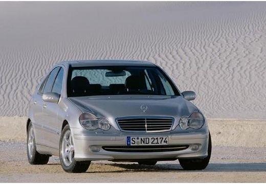 MERCEDES-BENZ Klasa C W 203 I sedan silver grey przedni prawy