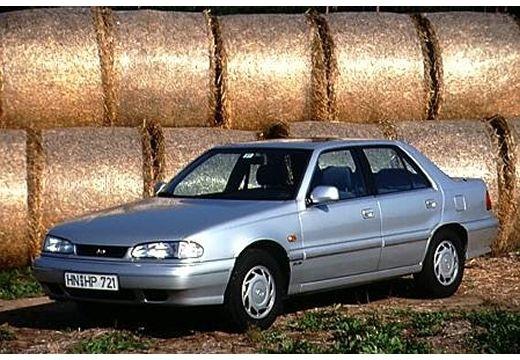 HYUNDAI Sonata I sedan silver grey przedni lewy