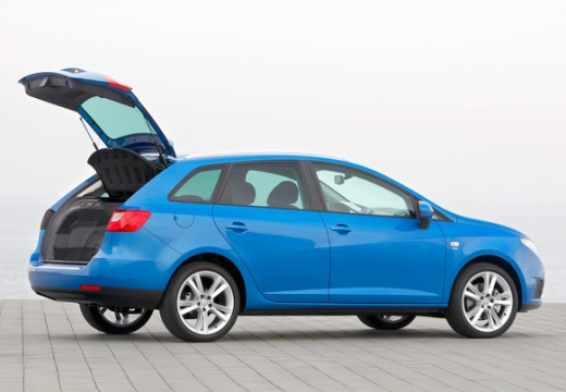 SEAT Ibiza kombi niebieski jasny tylny prawy